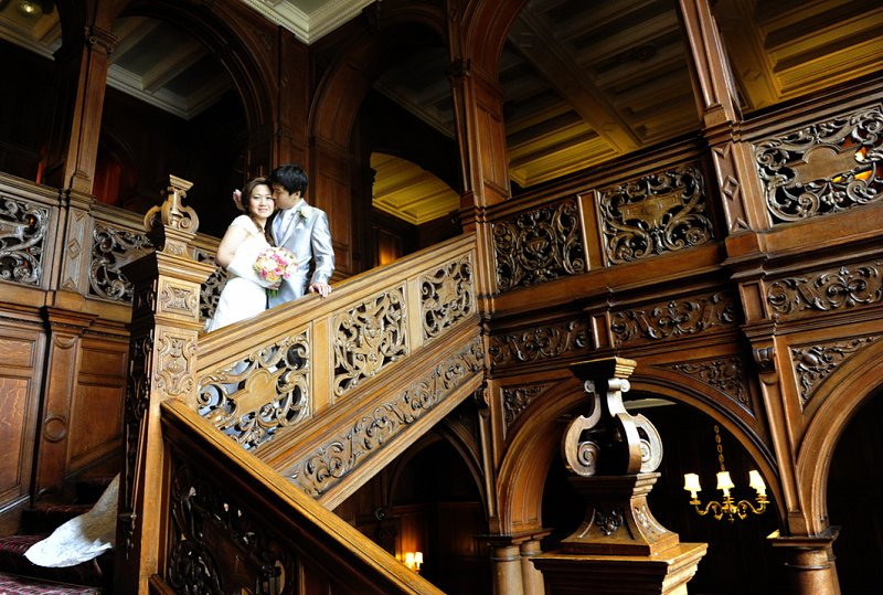 staircase_coupe_kiss